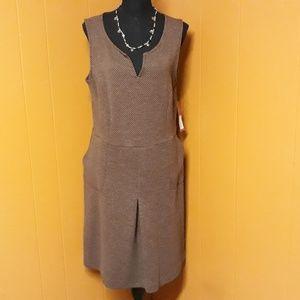 NWT. Brown sleeveless dress sz 14